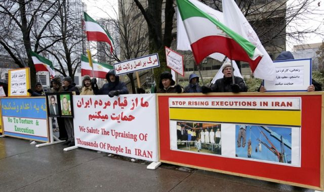 Canada: NCRI Supporters Declare Solidarity With Iran's Protesting Workers & Teachers